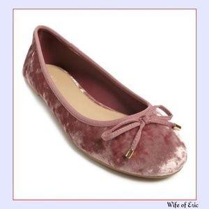 Shoes - Crushed Velvet Ballet Flat in Pink
